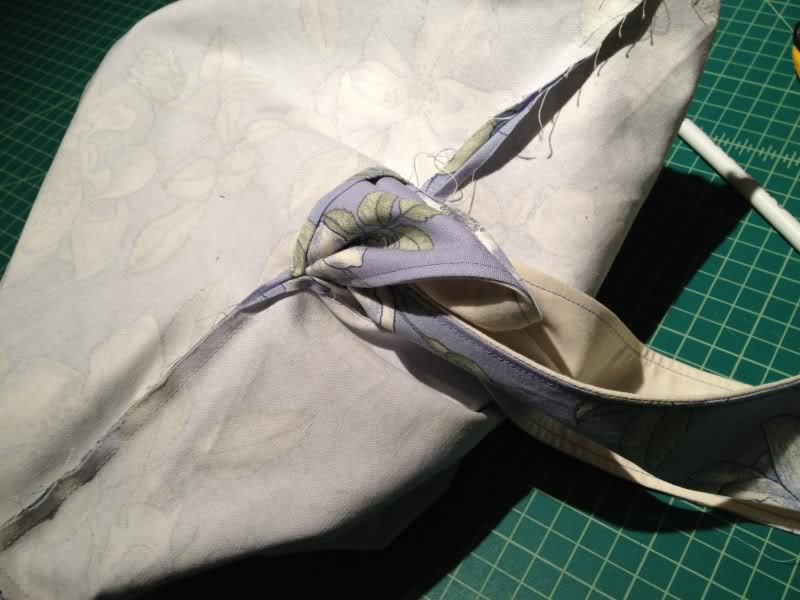 Sewing Mamas blog: Free Messenger Bag DIY Tutorial